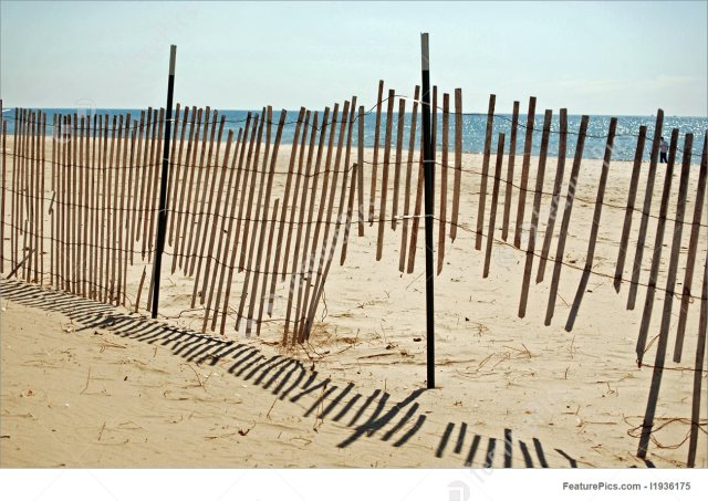 broken-beach-fence-stock-image-936175.jpg